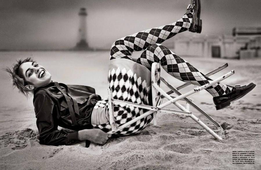 Vogue-Italia-October-2014-Francesco-Carrozzini-2