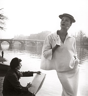 Suzy-Parker-by-the-Seine-Costume-by-Balenciaga-1953.-Photograph-by-Louise-Dahl-Wolfe.-Collection-Staley-Wise-Gallery4
