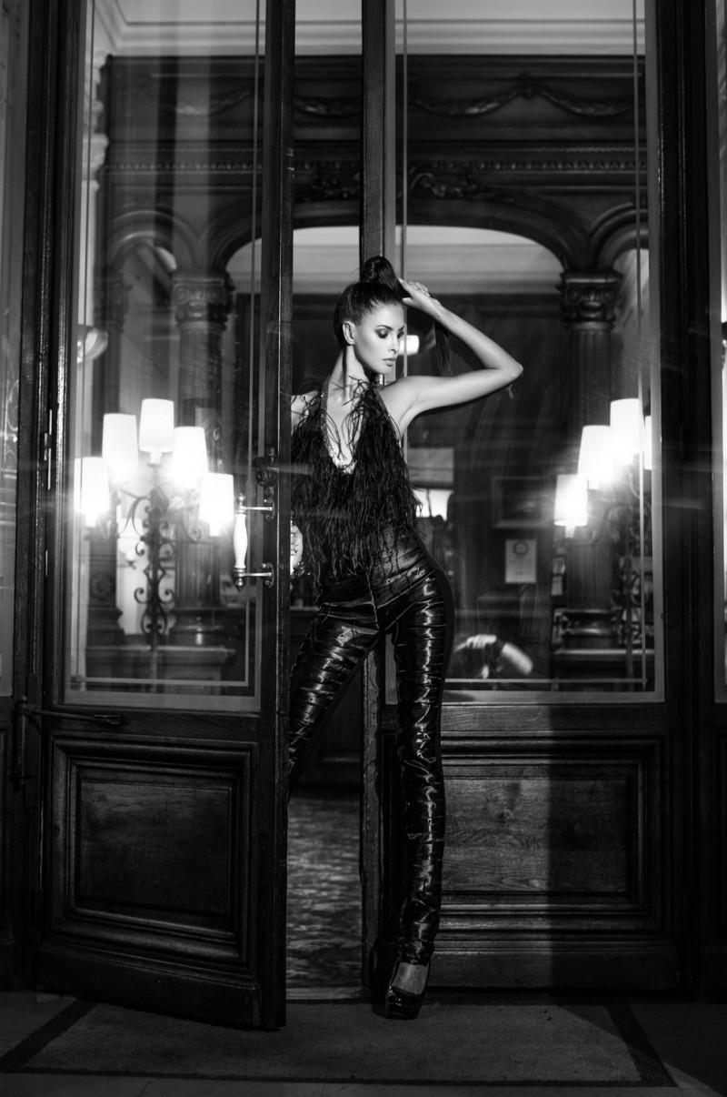 Leica-S-Magazine-Digital-Feature-Yves-Kortum-Paris_01