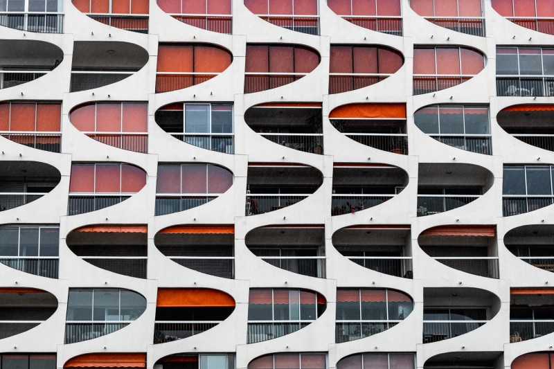 BUILDING_WITH_ORANGE_BLINDS3B_LA_GRANDE_MOTTE